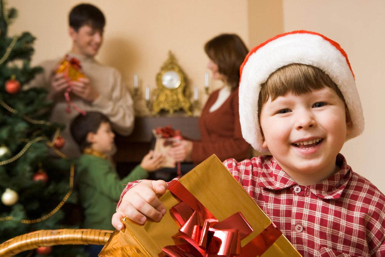 Картинки с подарками детям к рождеству